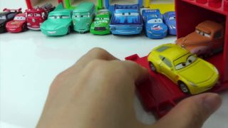 디즈니카 Disney Pixar Cars 3 lightning mcqueen car 맥트럭 킨더...
